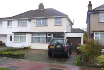 3 bedroom semi detached property to rent in Raeburn Road, Sidcup...