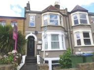2 bedroom Flat in Genesta Road, Plumstead...