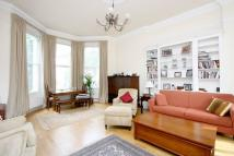 3 bedroom Maisonette to rent in Holland Park Gardens...