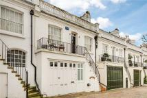2 bed property in Holland Park Mews...