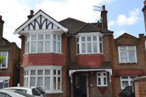 Gunnersbury Avenue Ground Flat to rent