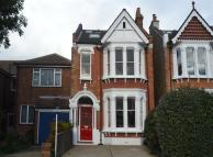 5 bed home in Egerton Gardens, Ealing...