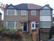 3 bed house in Jubilee Road, Perivale...