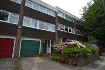 4 bed Flat in White Ledges, Ealing...