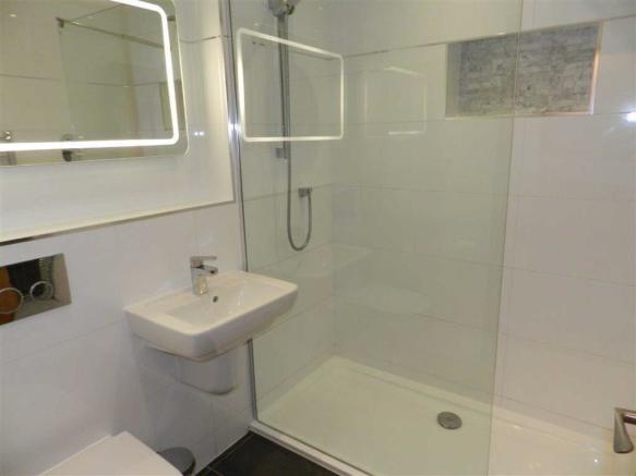 HOUSE BATHROOM/ SHOWER ROOM