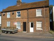 2 bed semi detached property to rent in Hastings Road, Battle...