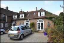 2 bedroom Barn Conversion to rent in High Street, Battle...
