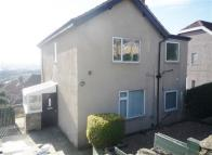 property to rent in Flat 2, 29 Ashbrow Road, Huddersfield