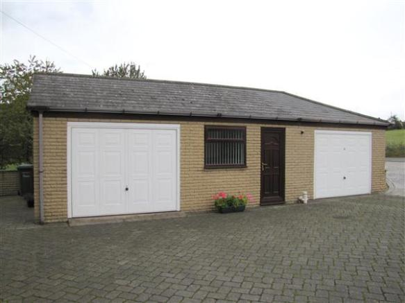 GARAGES & INCORPORATED OFFICE/OCCASIONAL BEDROOM