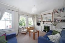 Flat to rent in Rosebury Road, London...