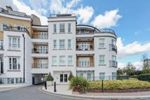 2 bed Flat in Greensward House...