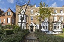 3 bed Flat for sale in Manor Gardens...