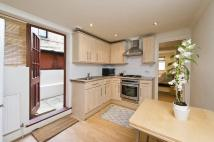 3 bedroom Flat in Dalyell Road, London, SW9