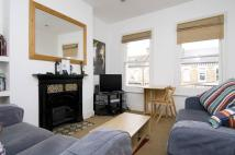 2 bedroom Flat in Tremadoc Road, London...