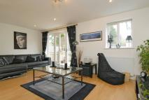 Larkhall Lane Flat to rent
