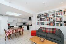 2 bedroom Maisonette to rent in Broughton Street, London...