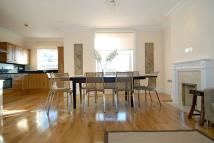 Flat in Draycott Place, London...