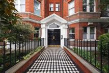 3 bed Ground Flat for sale in Ashburnham Mansions...