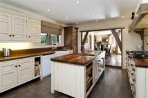 5 bed Detached home for sale in Barnet Road, Arkley