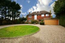 5 bed Detached home in Barnet Road, Arkley...