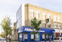 1 bedroom Flat in Chatsworth Road, London...