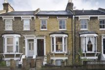 3 bedroom Flat to rent in Shacklewell Lane...