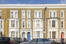 Flat to rent in Elderfield Road, London...