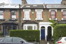 2 bed Flat for sale in Roding Road, London, E5
