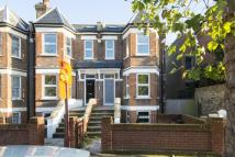 2 bed home in Mount Pleasant Lane...