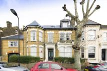 2 bedroom Flat in Lower Clapton Road...