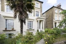Flat to rent in Victoria Park Road...