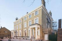 3 bedroom Flat in LowerClapton Road...