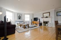 Flat to rent in Lower Clapton Road...