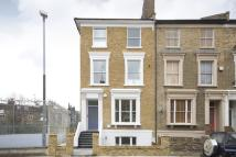 2 bedroom Flat for sale in Darnley Road, Hackney...