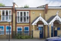2 bed property to rent in Bocking Street, London...
