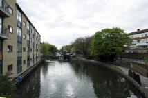 3 bedroom Flat in Broke Walk, London, E8