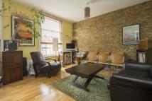 Flat to rent in Graham Road, London, E8