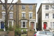 Flat for sale in Navarino Road, London, E8