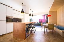 2 bedroom Detached property in Rushmore Road, London, E5