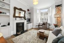 Ground Flat to rent in Warbeck Road, London, W12
