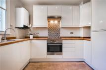 1 bed Ground Flat in Woodstock Grove, London...