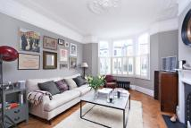 2 bed Flat for sale in Wroughton Road, London...