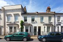 3 bed property to rent in Battersea High Street...
