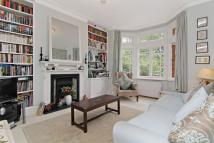 Ground Flat to rent in Bolingbroke Grove, SW11