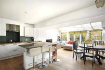 5 bed house in Lavender Sweep, London...