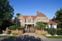 6 bed Detached home in The Ridgeway, Cuffley
