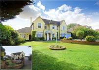 house for sale in The Ridgeway, Cuffley