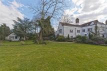 6 bedroom Detached home in Churchgate, Cheshunt...