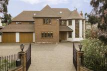 6 bedroom Detached property in Brookmans Avenue...