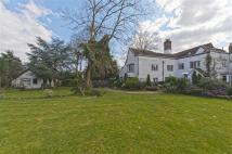 6 bed Detached house for sale in Churchgate, Cheshunt...